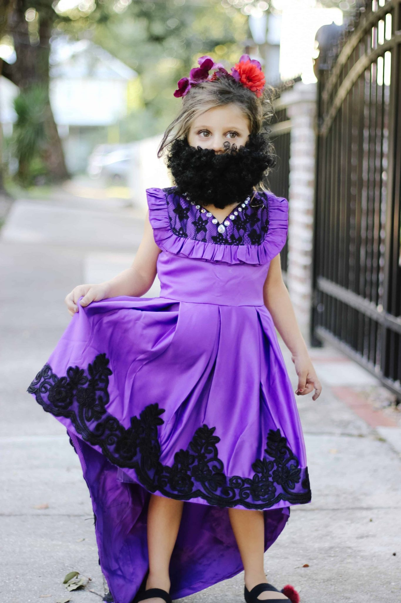 Greatest Showman Halloween Costumes - bearded lady