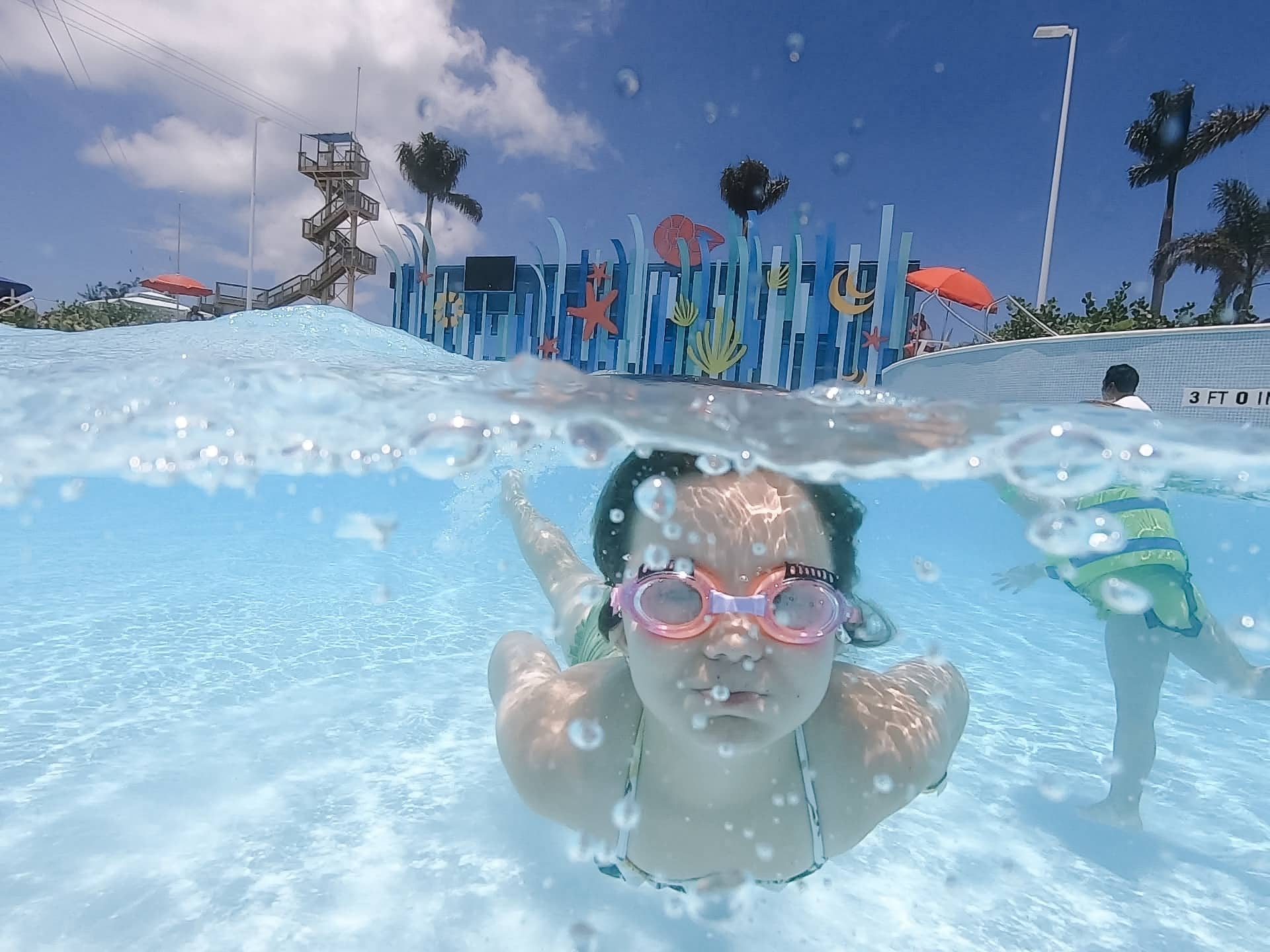 Cococay wave pool