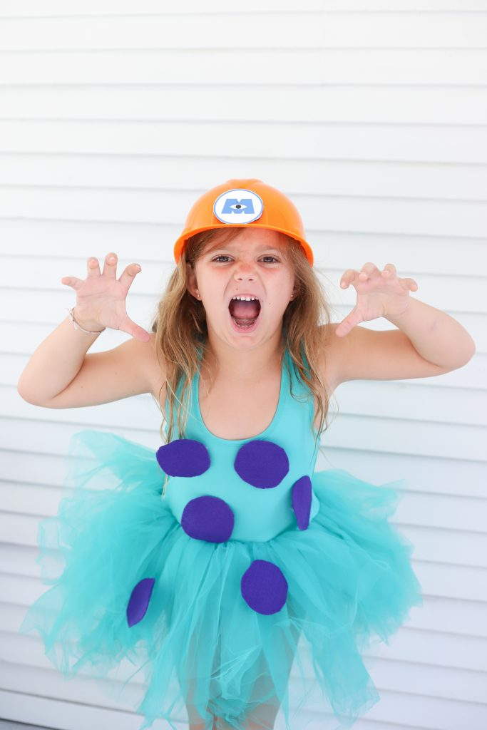 DIY Sully costume - Monsters Inc - Disney costume for girls